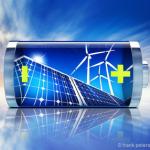 Solarstrom für das Eigenheim effizient speichern - © frank peters - Fotolia.com
