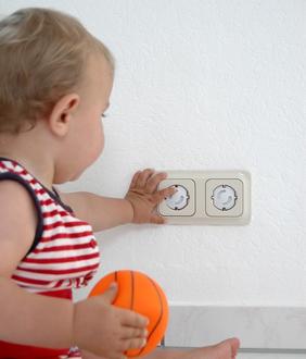 sicher wohnen mit kindern wohnen mit flair. Black Bedroom Furniture Sets. Home Design Ideas